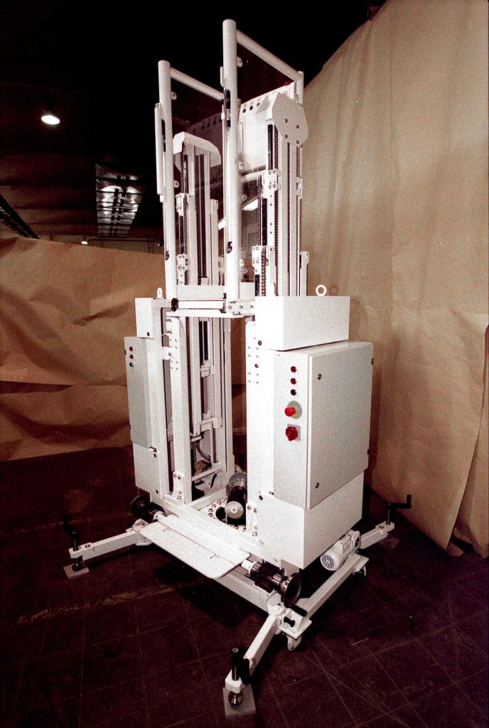 ATV-Lifting-Pad. Kleiner Fahrstuhl für Integrationsarbeiten an Raketenstufen